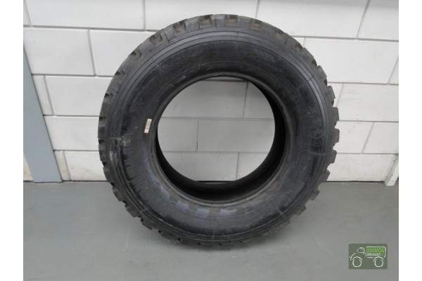 Tire 10.5 x R20 Michelin XZL